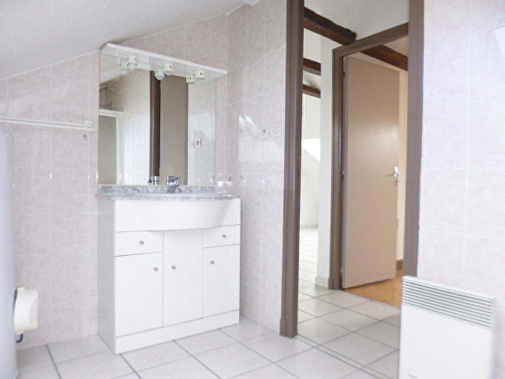 Location Appartement 2 pièces à Arpajon-sur-Cère - vignette-5