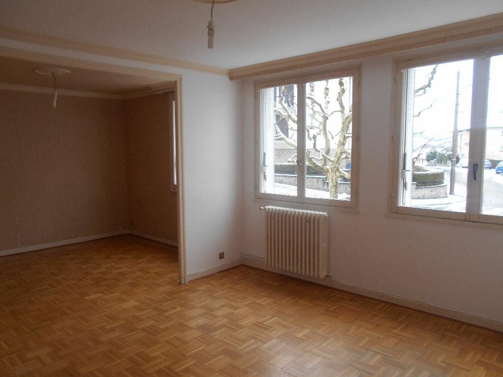 Achat Appartement 5 pièces à Aurillac - vignette-1
