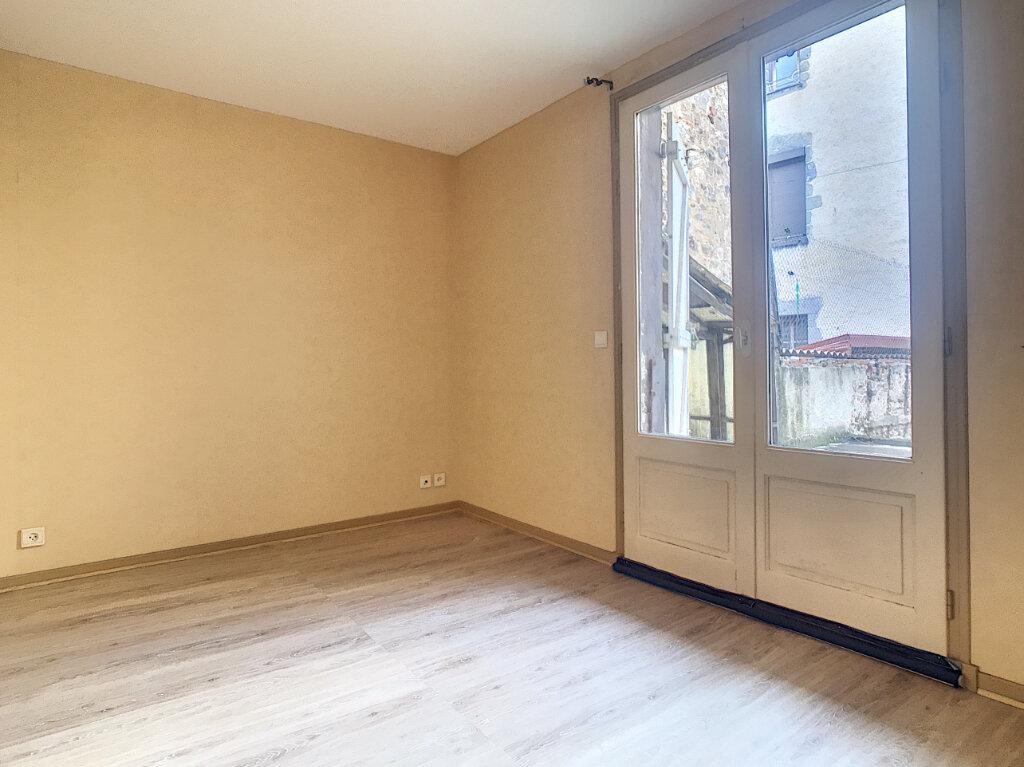 Location Appartement 3 pièces à Aurillac - vignette-3