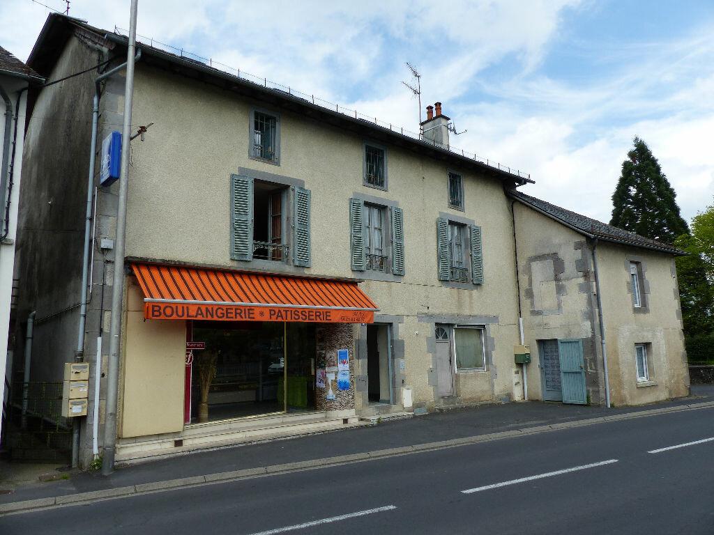 Achat Appartement 3 pièces à Arpajon-sur-Cère - vignette-1
