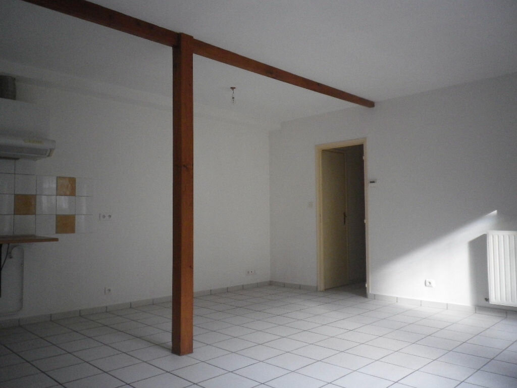 Location Appartement 2 pièces à Aurillac - vignette-2