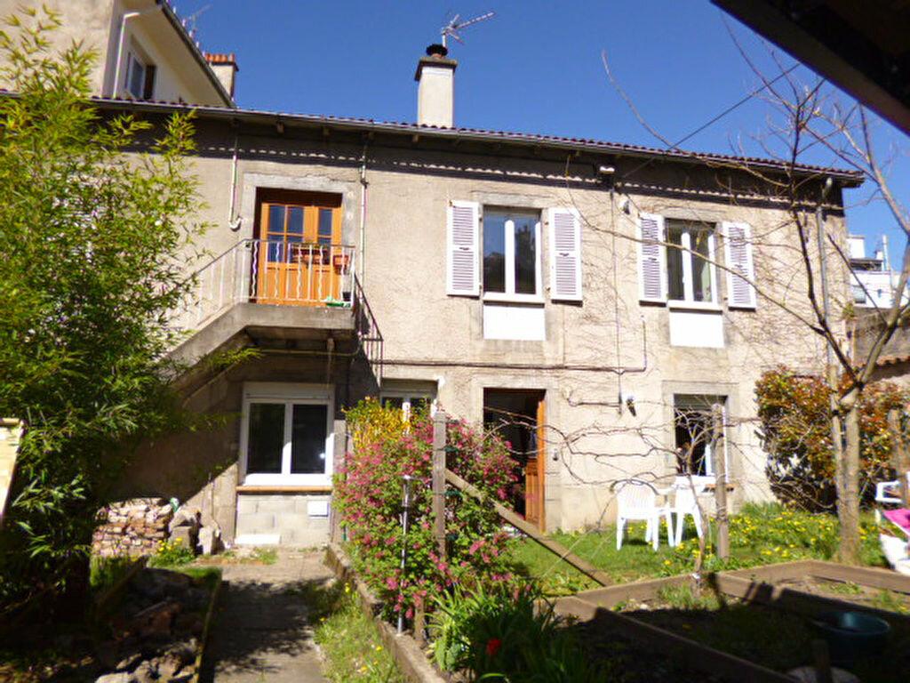 Location Appartement 2 pièces à Aurillac - vignette-3
