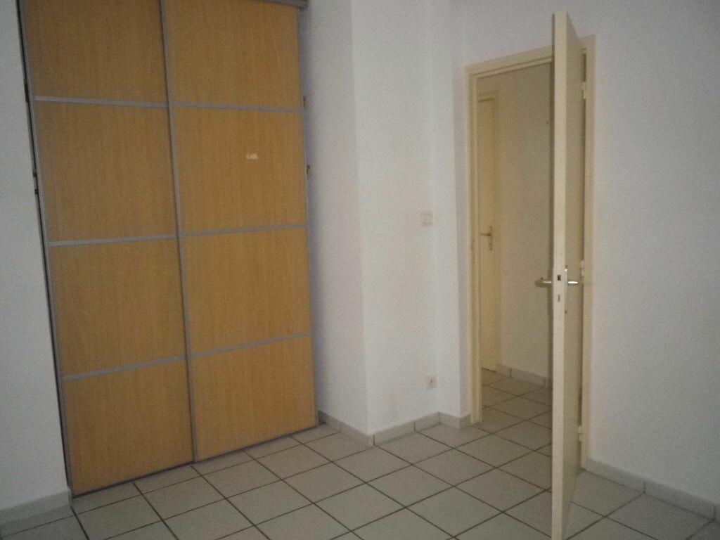 Location Appartement 2 pièces à Aurillac - vignette-4