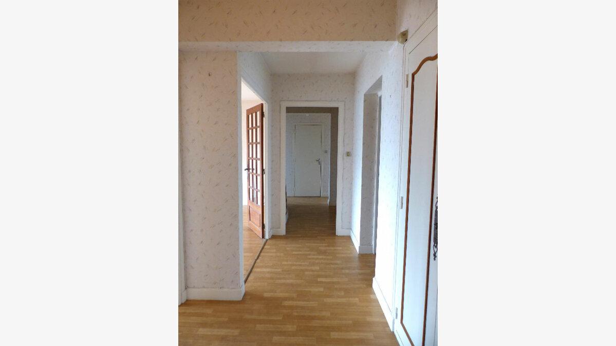 Achat Appartement 4 pièces à Aurillac - vignette-4
