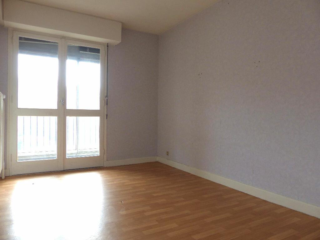 Achat Appartement 4 pièces à Aurillac - vignette-6