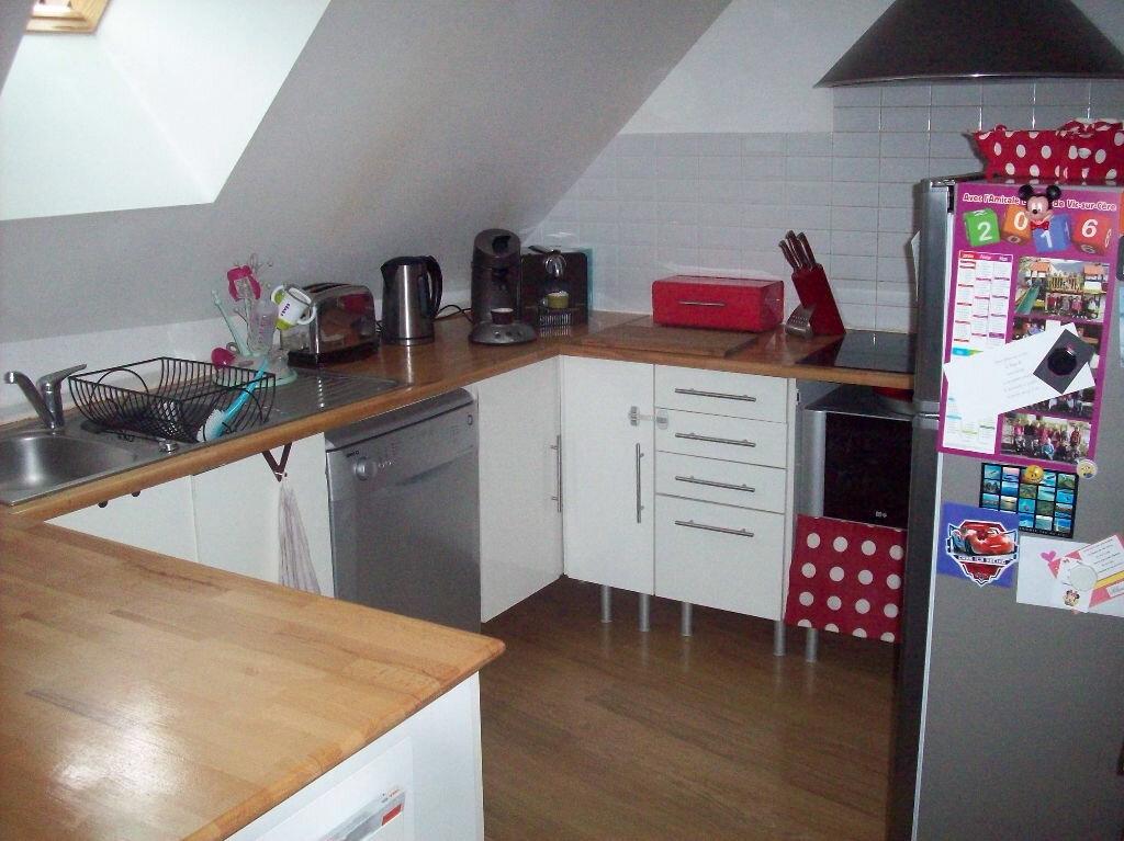 Achat Appartement 4 pièces à Vic-sur-Cère - vignette-4