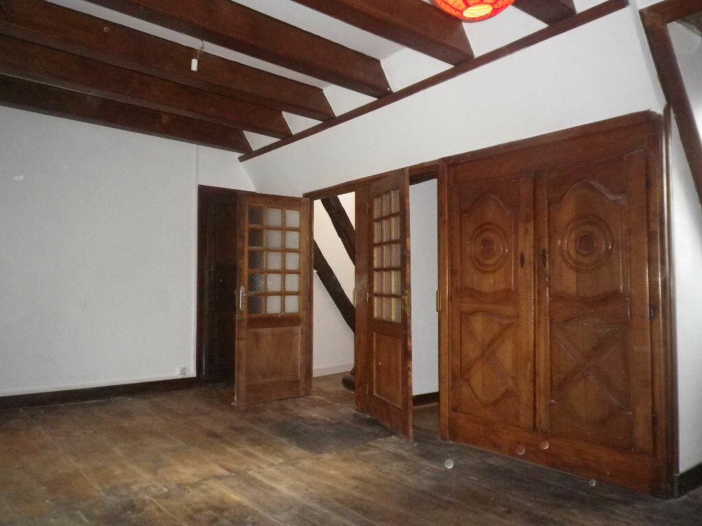 Location Appartement 1 pièce à Vic-sur-Cère - vignette-2