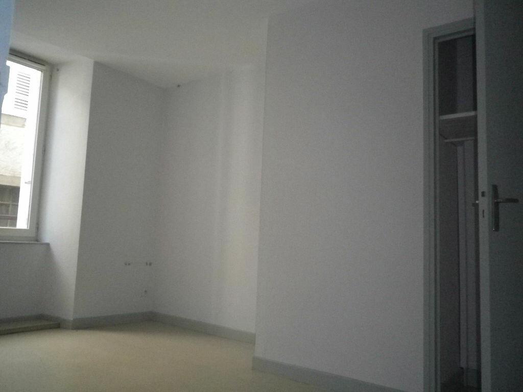 Location Appartement 3 pièces à Aurillac - vignette-4