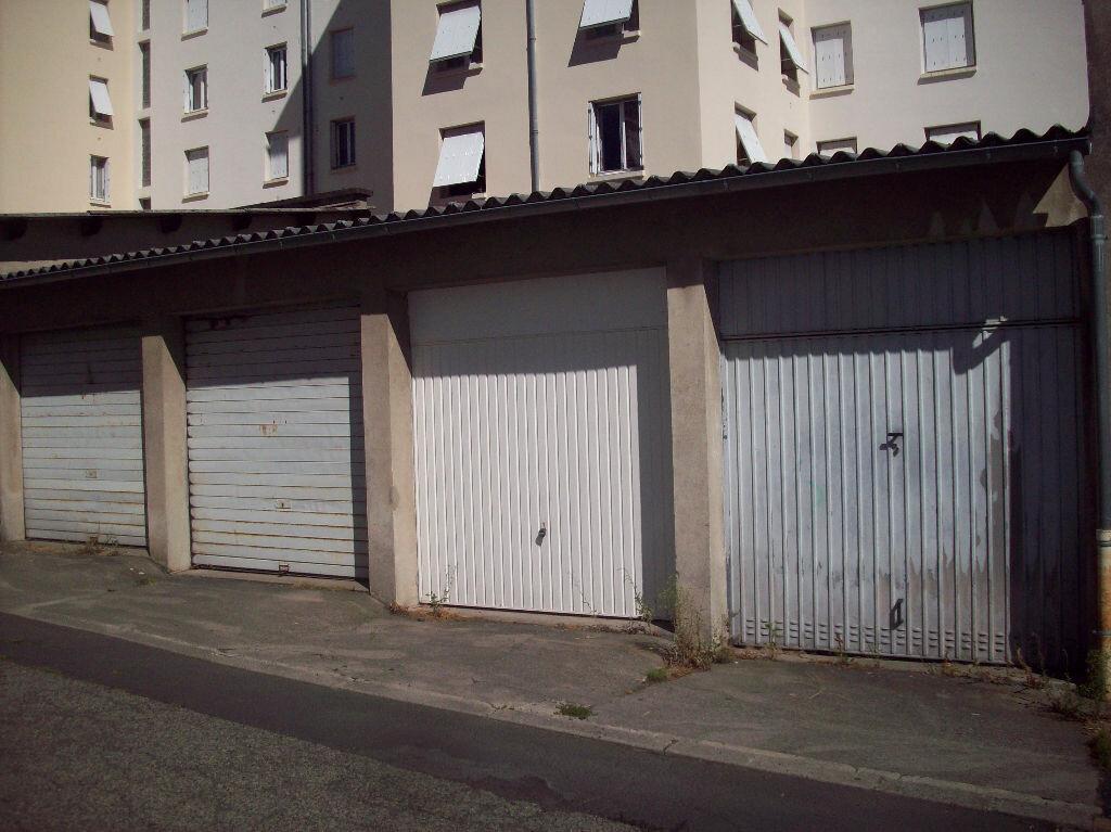 Achat Appartement 3 pièces à Aurillac - vignette-6