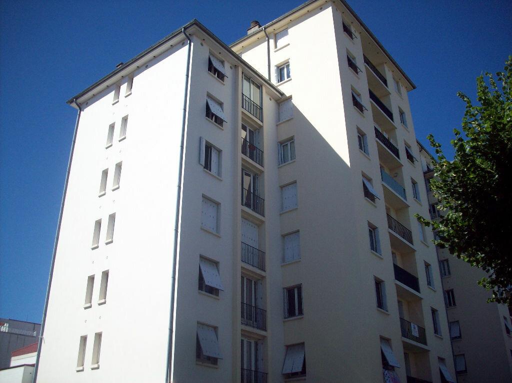 Achat Appartement 3 pièces à Aurillac - vignette-7