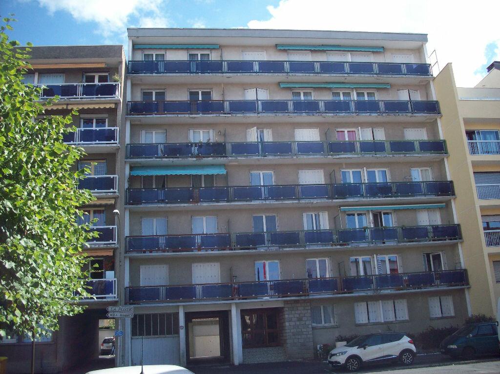 Achat Appartement 4 pièces à Aurillac - vignette-1