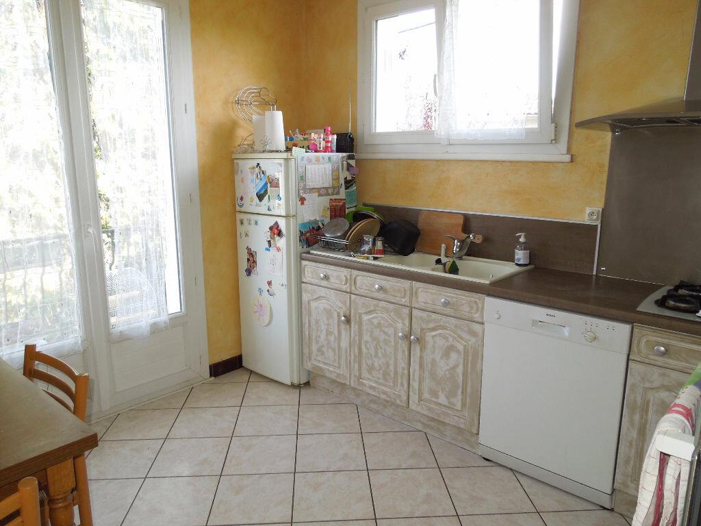 Achat Maison 6 pièces à Saint-Paul-des-Landes - vignette-5