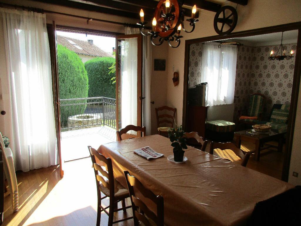 Achat Maison 4 pièces à Saint-Saury - vignette-4