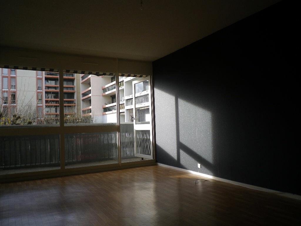 Location Appartement 3 pièces à Aurillac - vignette-6