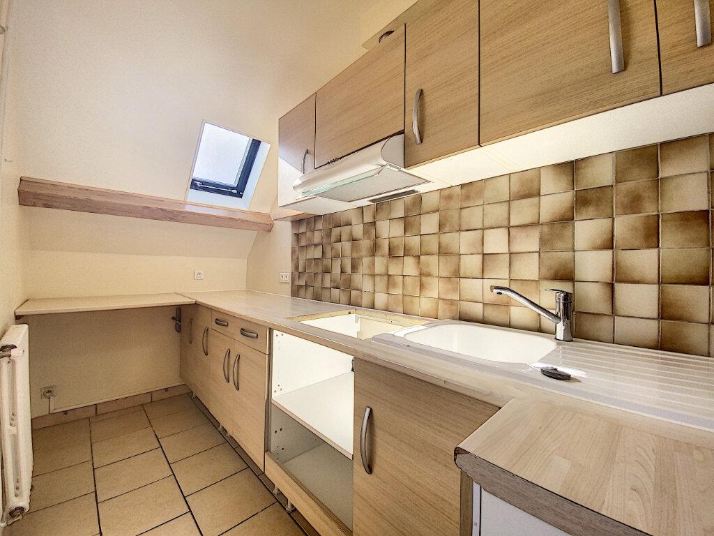 Location Appartement 5 pièces à Aurillac - vignette-2