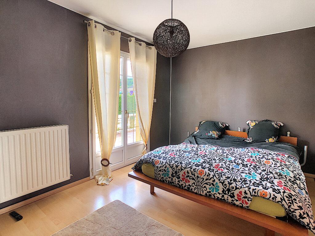 Achat Maison 5 pièces à Arpajon-sur-Cère - vignette-5