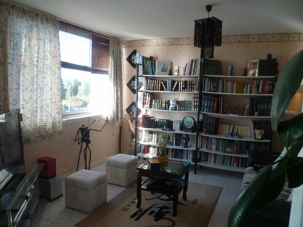 Achat Appartement 3 pièces à Balaruc-les-Bains - vignette-5