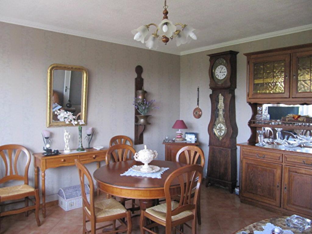 Achat Appartement 4 pièces à Balaruc-les-Bains - vignette-2