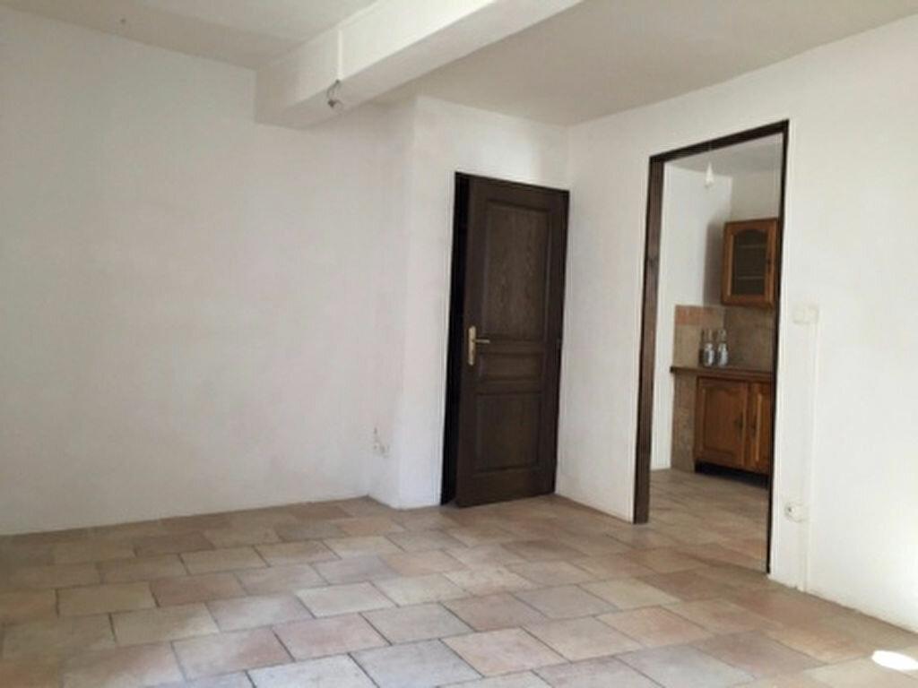 Location Maison 3 pièces à Villeveyrac - vignette-1