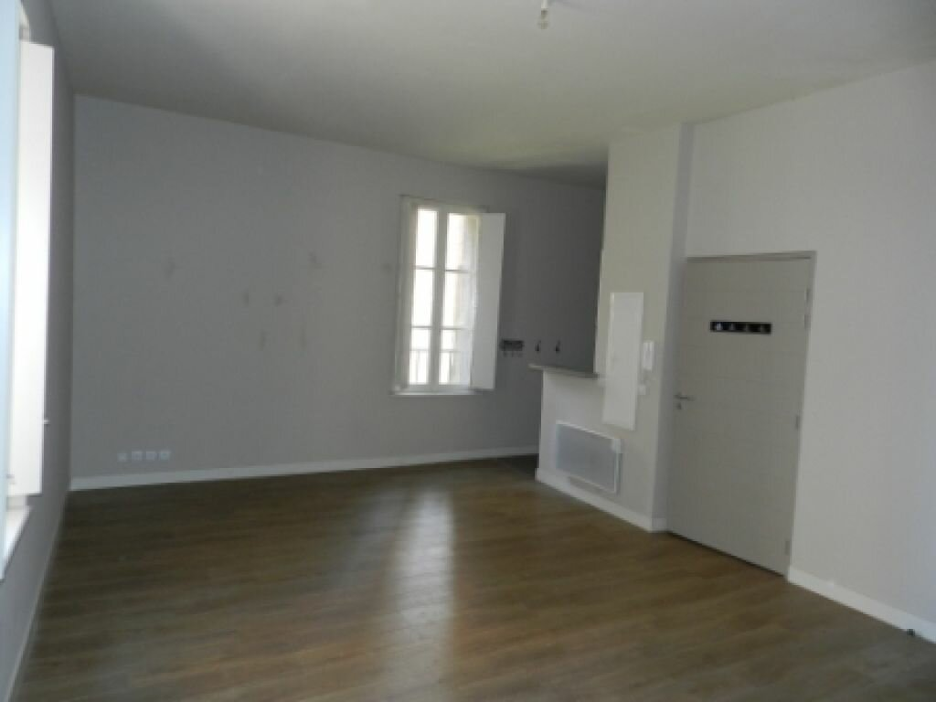 Location Appartement 1 pièce à Agde - vignette-1