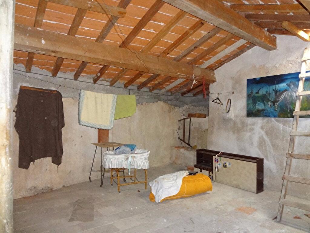 Achat Maison 9 pièces à Saint-Jean-de-Barrou - vignette-2
