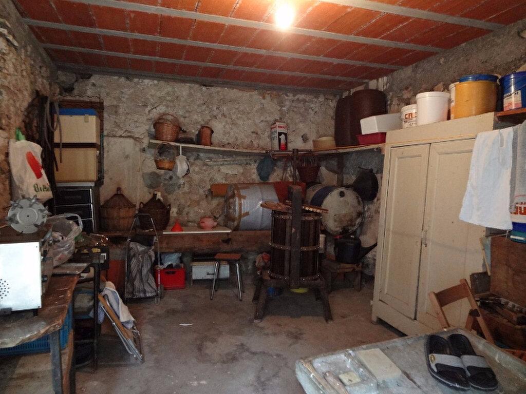 Achat Maison 9 pièces à Saint-Jean-de-Barrou - vignette-9