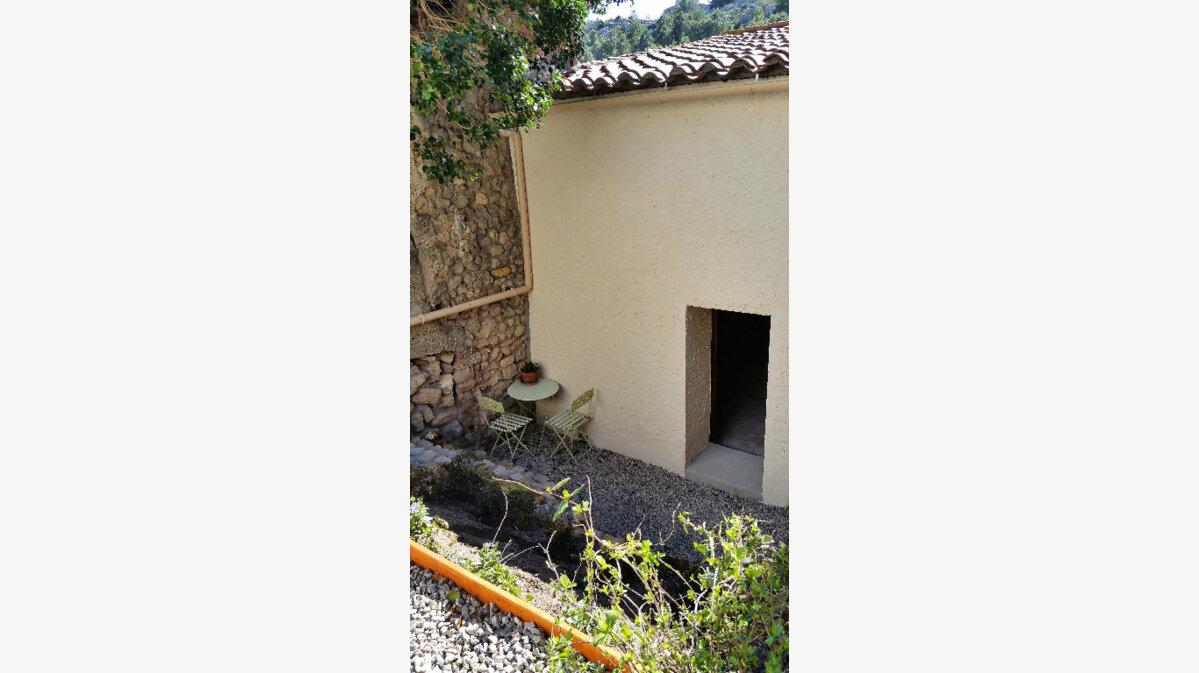 Achat Maison 5 pièces à Roquefort-des-Corbières - vignette-9