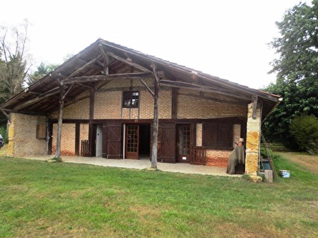 Location Maison 6 pièces à Cère - vignette-1