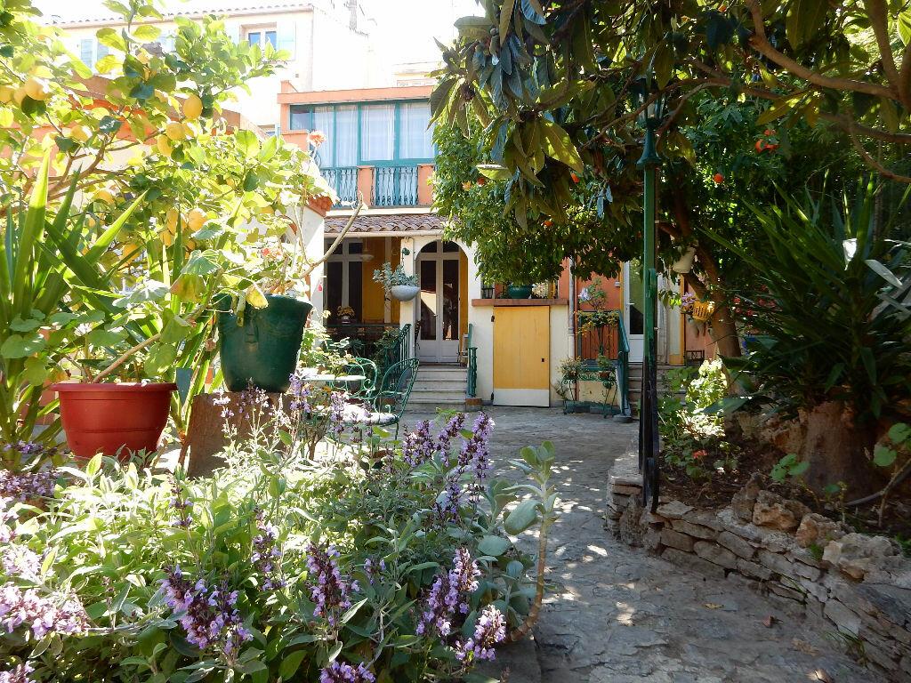 Achat Maison 8 pièces à La Seyne-sur-Mer - vignette-1