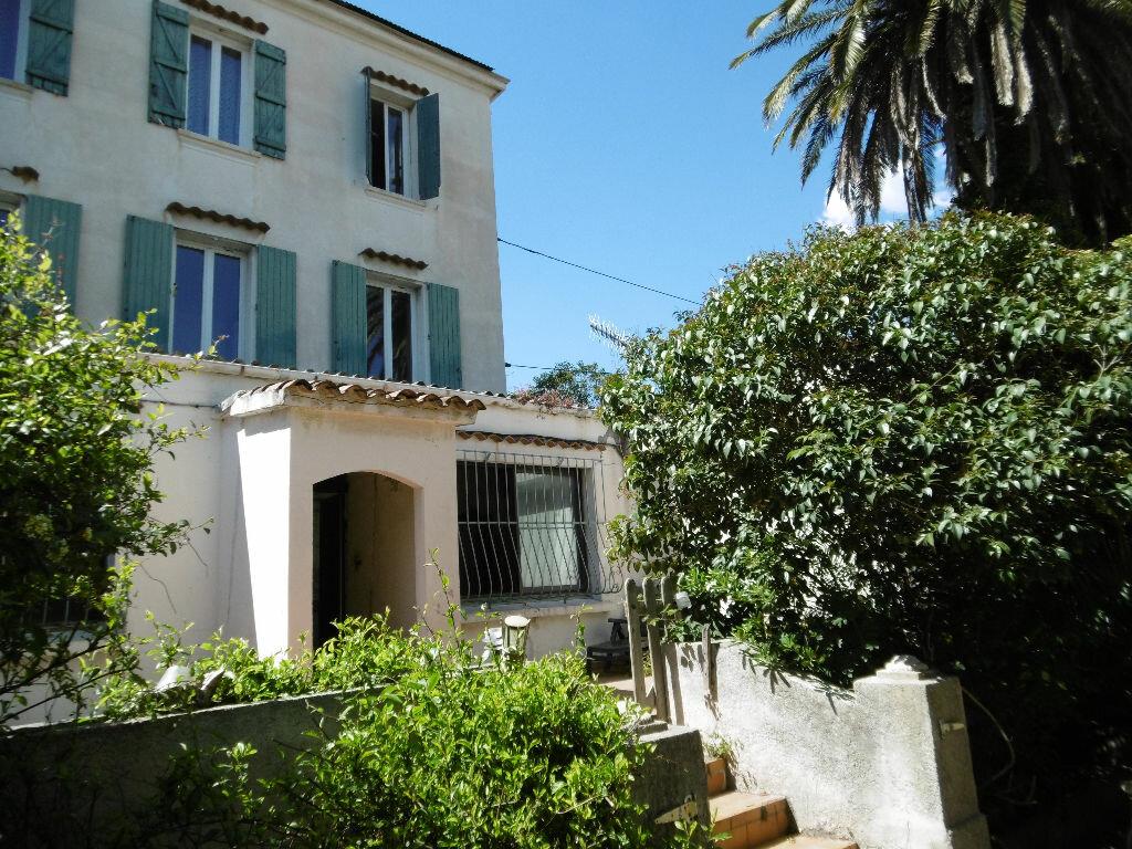 Achat Appartement 6 pièces à La Seyne-sur-Mer - vignette-1