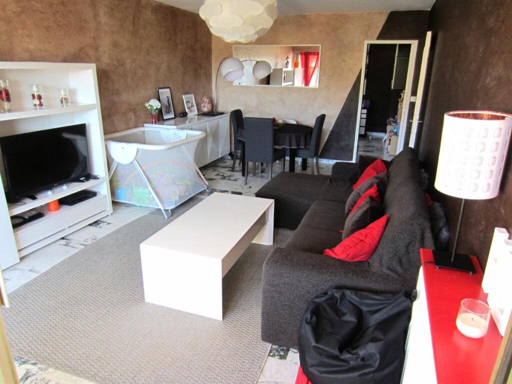 Achat Appartement 4 pièces à Saint-Mandrier-sur-Mer - vignette-1