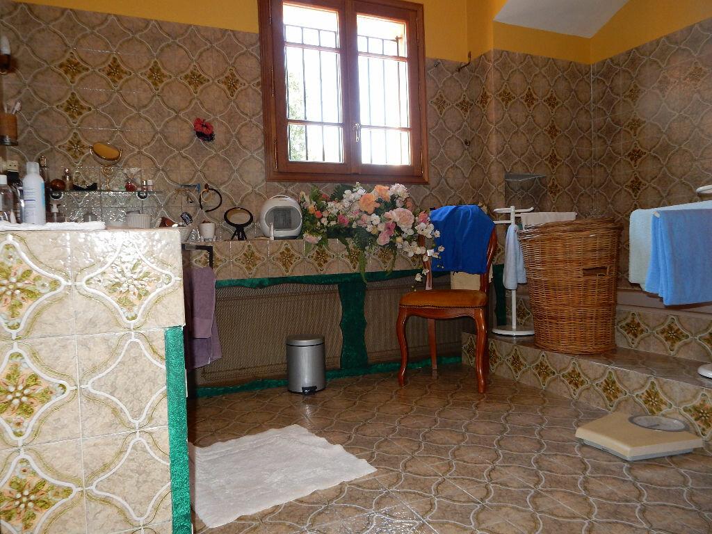 Achat Maison 7 pièces à La Seyne-sur-Mer - vignette-9