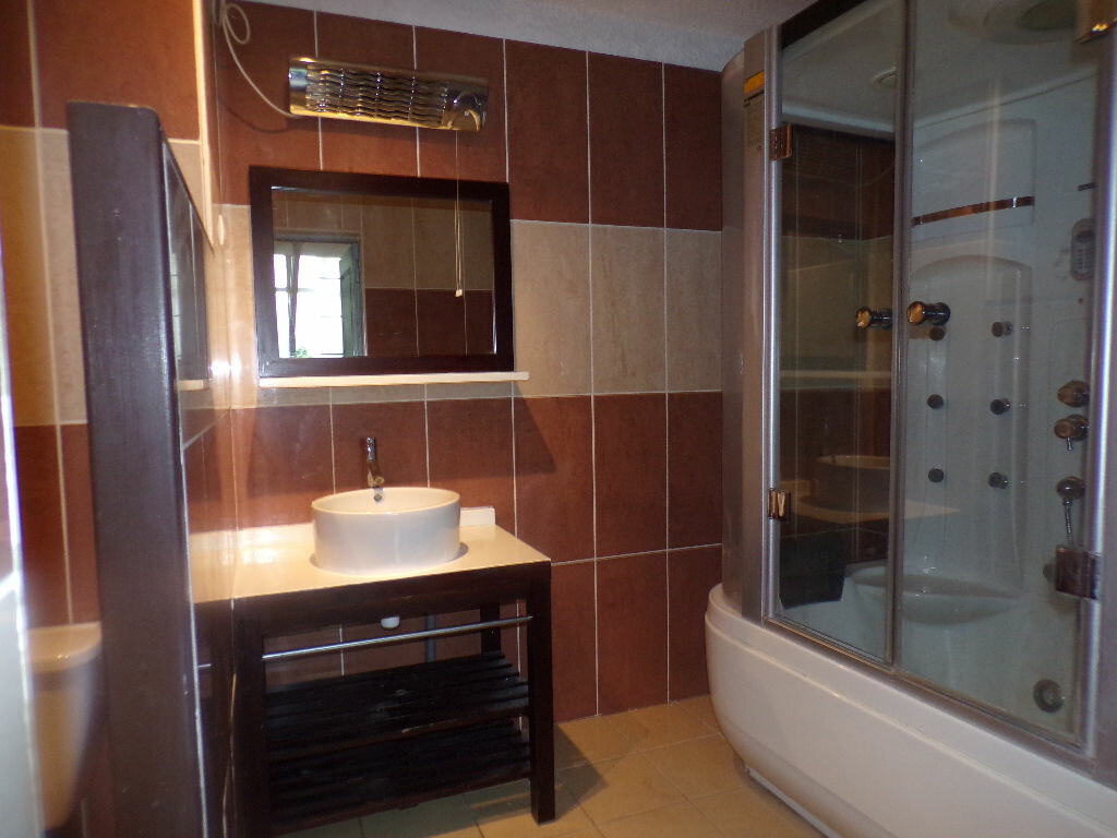 Achat Appartement 6 pièces à La Seyne-sur-Mer - vignette-3