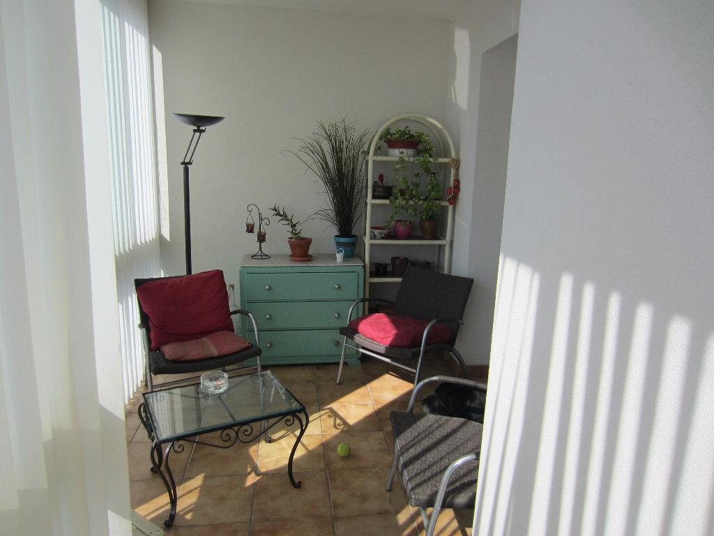 Achat Appartement 5 pièces à Six-Fours-les-Plages - vignette-2