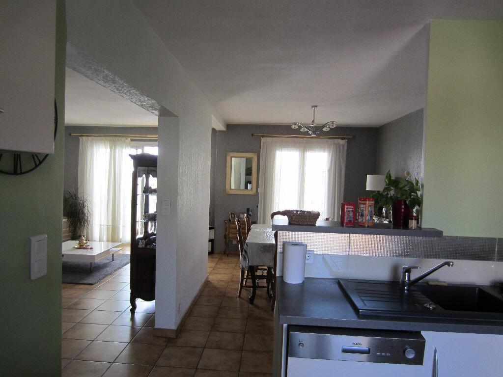 Achat Appartement 5 pièces à Six-Fours-les-Plages - vignette-3