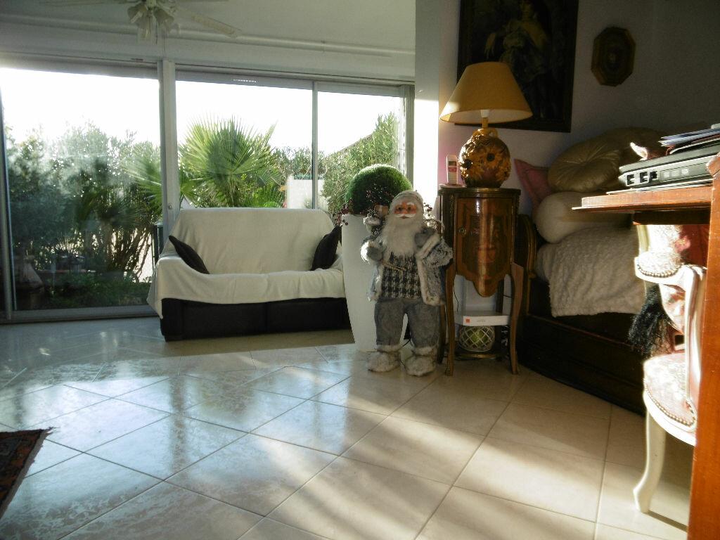 Achat Appartement 3 pièces à Sanary-sur-Mer - vignette-8
