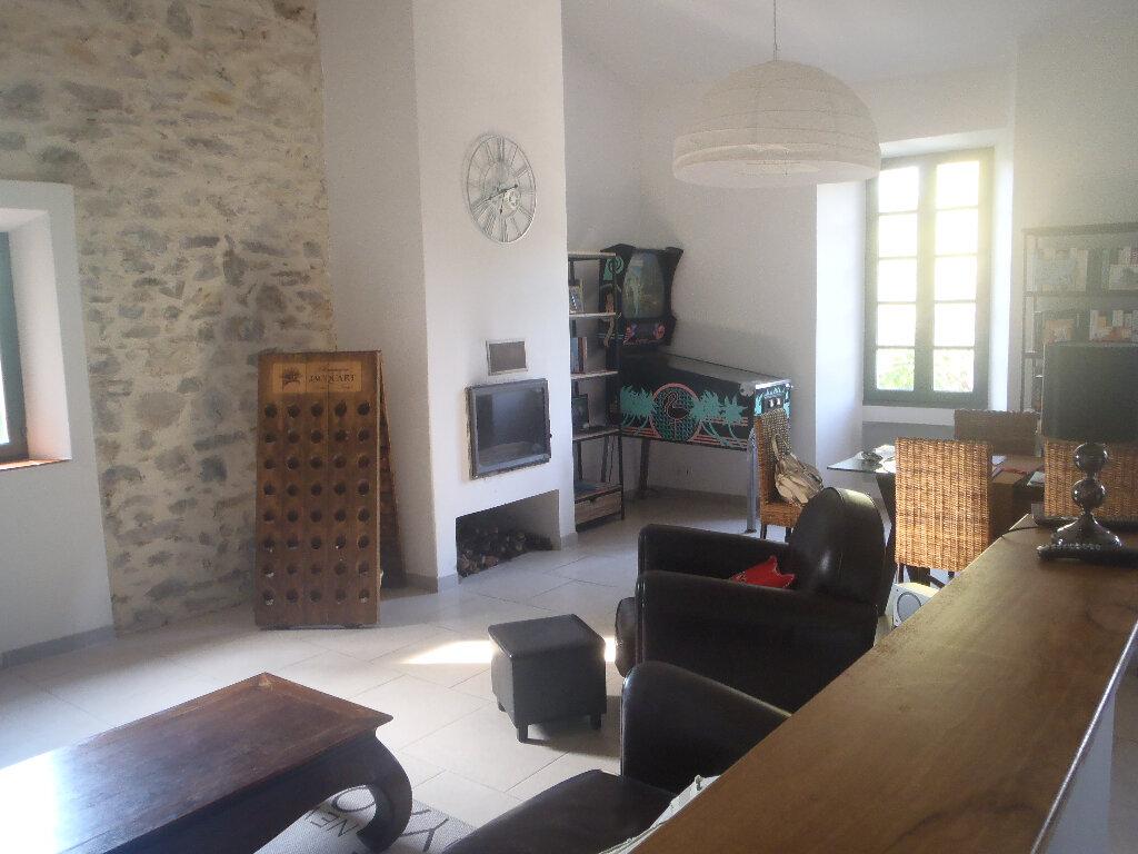 Achat Maison 4 pièces à Saint-Cyr-sur-Mer - vignette-3
