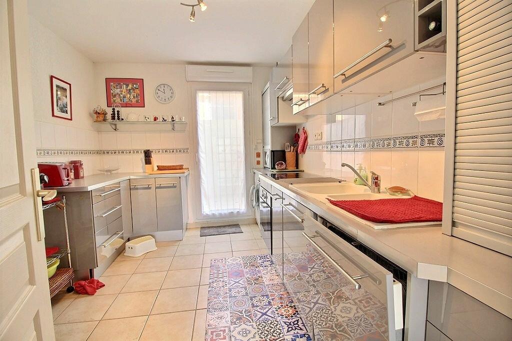 Achat Appartement 4 pièces à Bandol - vignette-3