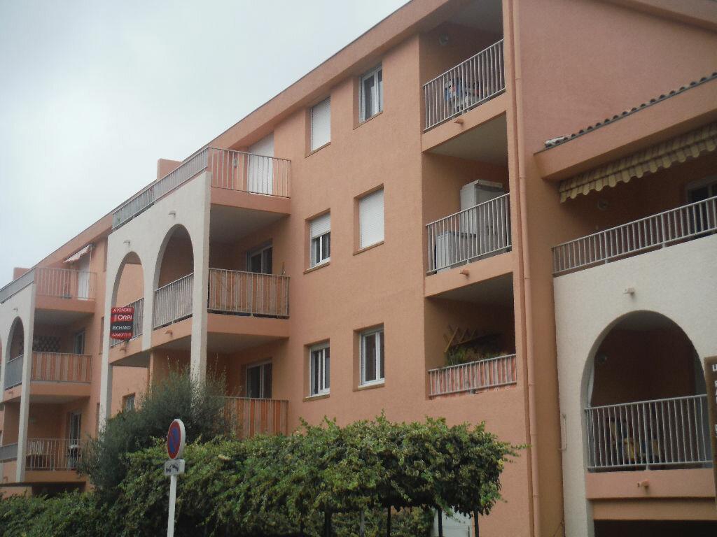 Achat Appartement 3 pièces à Six-Fours-les-Plages - vignette-3