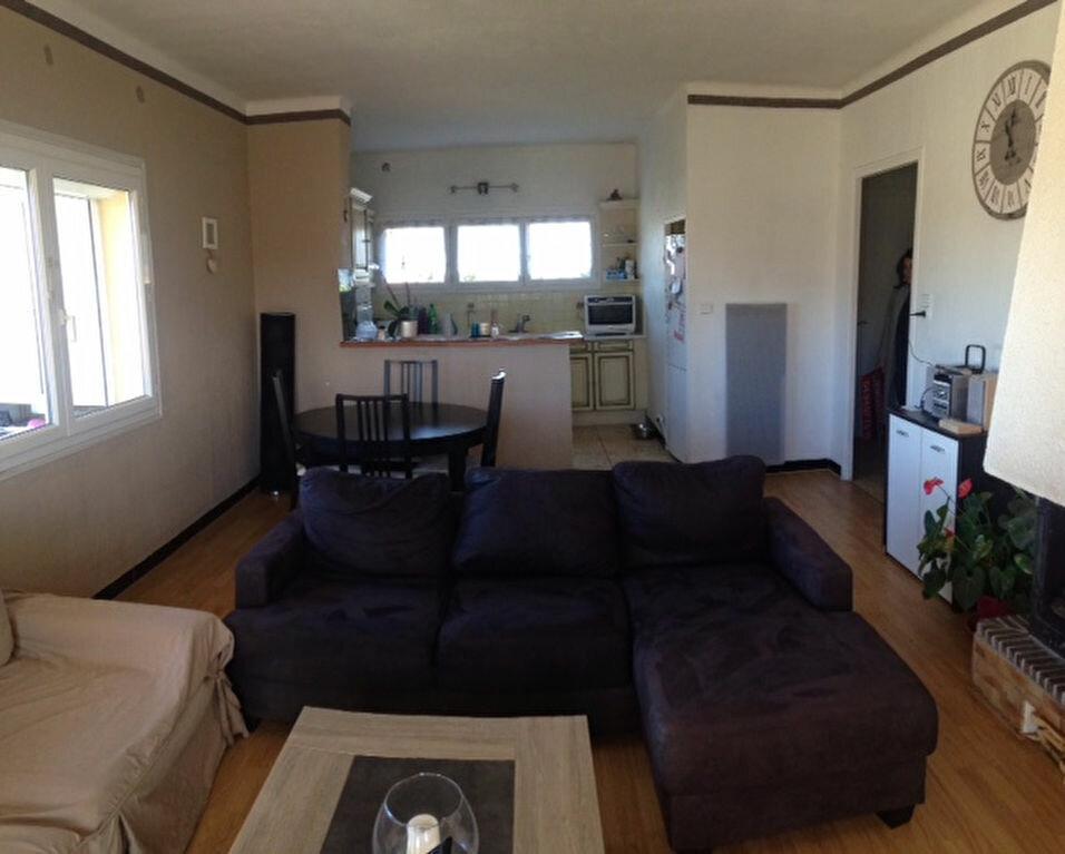 Location Appartement 4 pièces à Six-Fours-les-Plages - vignette-1