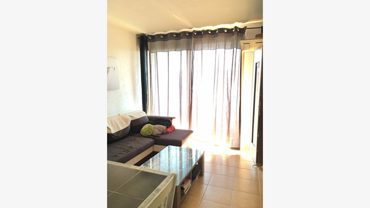 Location Appartement 2 pièces à Six-Fours-les-Plages - vignette-1