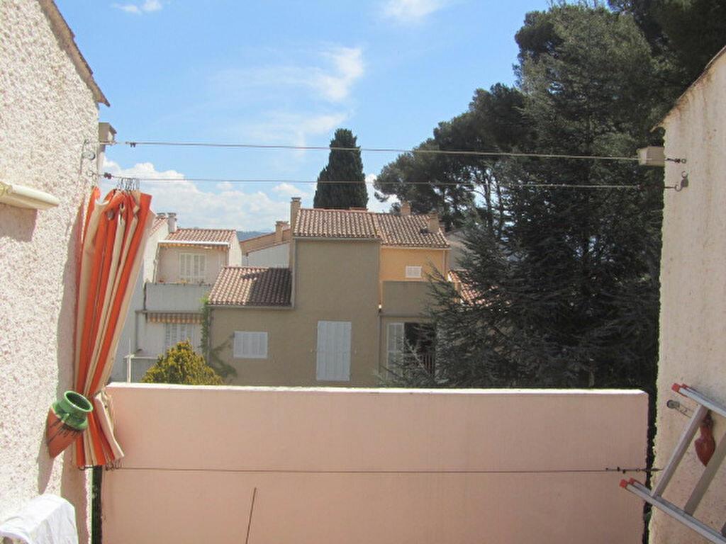 Achat Appartement 3 pièces à Saint-Cyr-sur-Mer - vignette-1