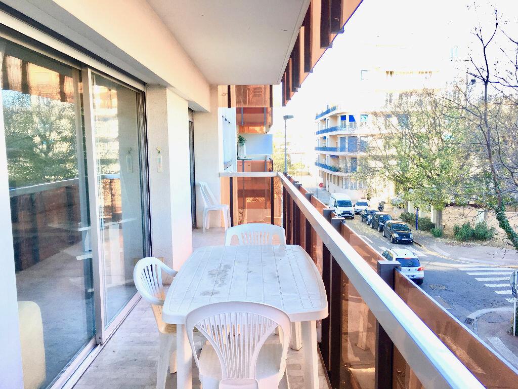 Achat Appartement 2 pièces à Antibes - vignette-3