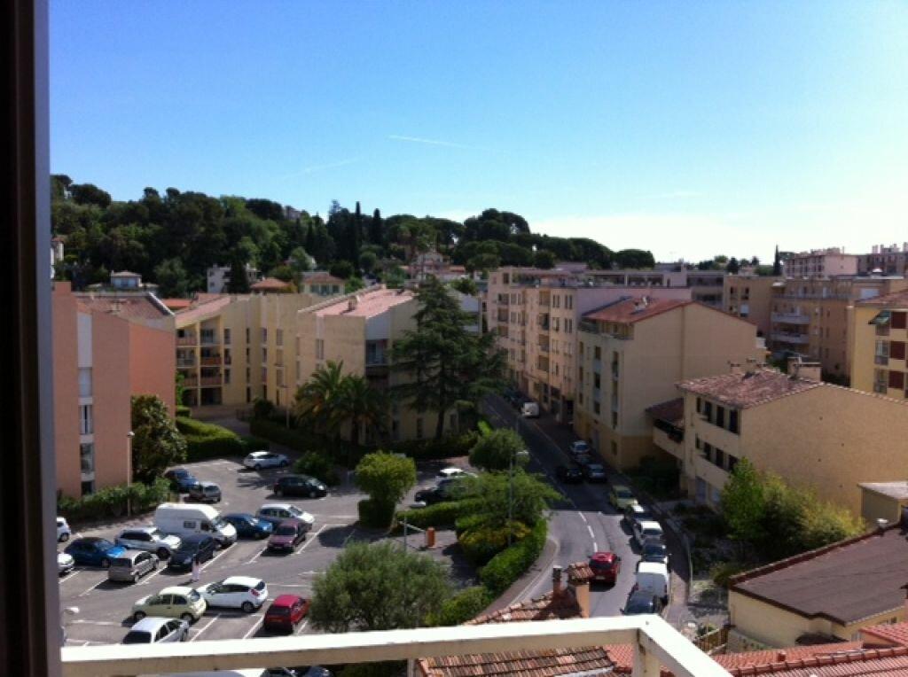 Location Appartement 4 pièces à Cagnes-sur-Mer - vignette-1