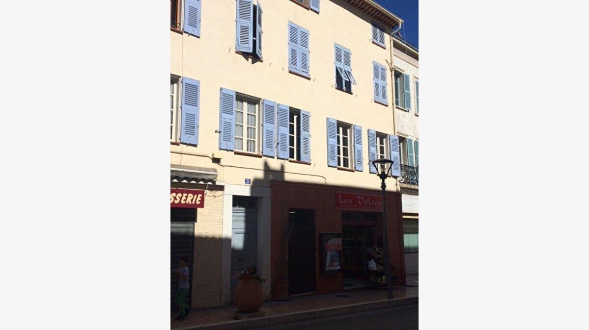 Location Appartement 3 pièces à Vallauris - vignette-3
