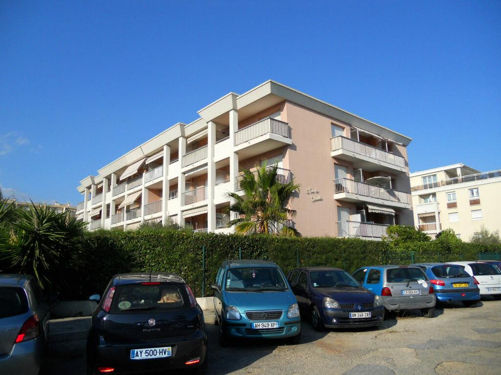 Achat Appartement 2 pièces à Cagnes-sur-Mer - vignette-6