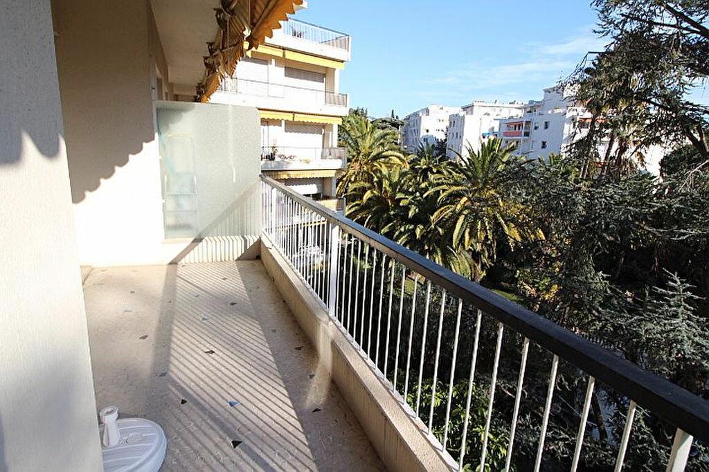 Achat Appartement 3 pièces à Nice - vignette-2