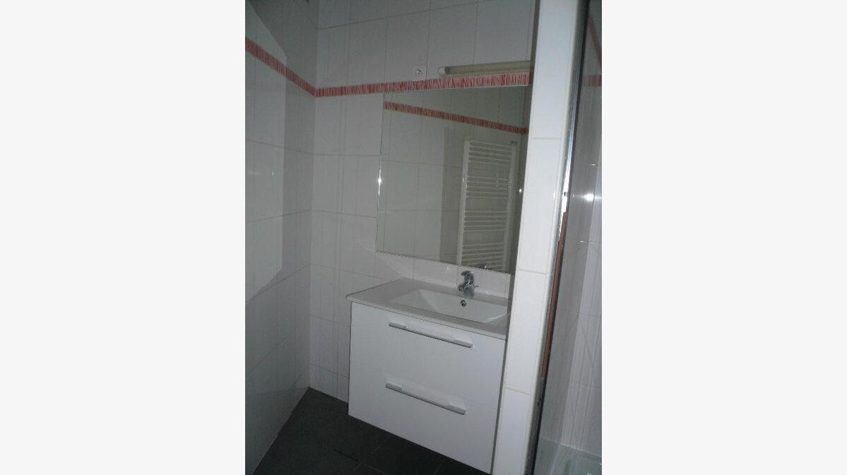 Location Appartement 2 pièces à Nice - vignette-4