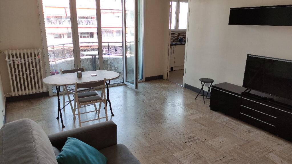 Location Appartement 1 pièce à Cagnes-sur-Mer - vignette-1