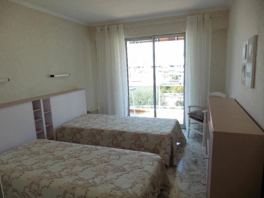 Achat Appartement 4 pièces à Cagnes-sur-Mer - vignette-7